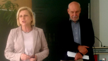 2017-05-13 Jonas mit der DL21-Bundesvorsitzenden Hilde Mattheis in Ingolstadt