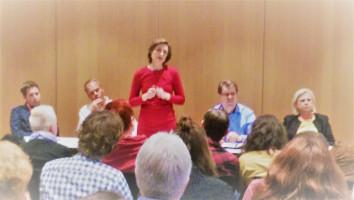 Die Parteivorsitzende-Kandidatin Simone Lange stellt sich bei der Parlamentarischen Linken und der DL21 vor.